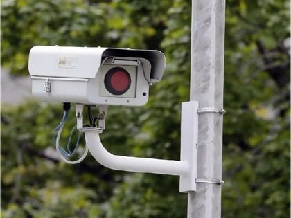 Installing fake traffic cameras would not worth the effort, Ottawa has concluded. CP